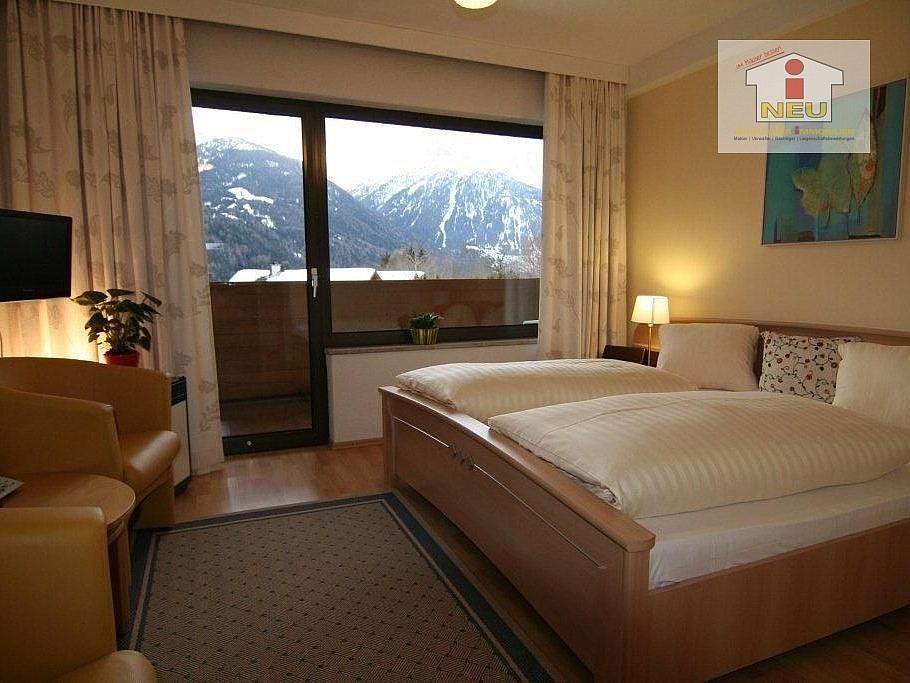 Obergeschoss Stellplätze Hallenbades - 3 Sterne Hotel in Virgen/Nationalpark Hohe Tauern