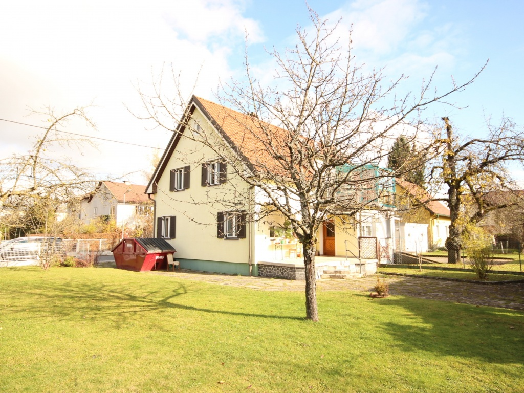 Teilsaniertes Wohnhaus in Waidmannsdorf ca. 90m²