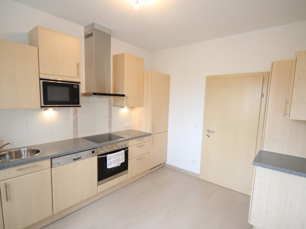 Komplett sanierte helle 3 Zi-Wohnung in Welzenegg