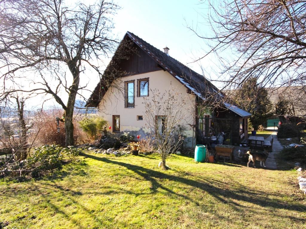 Idyllisches Wohnhaus/Bauernhaus in Schiefling