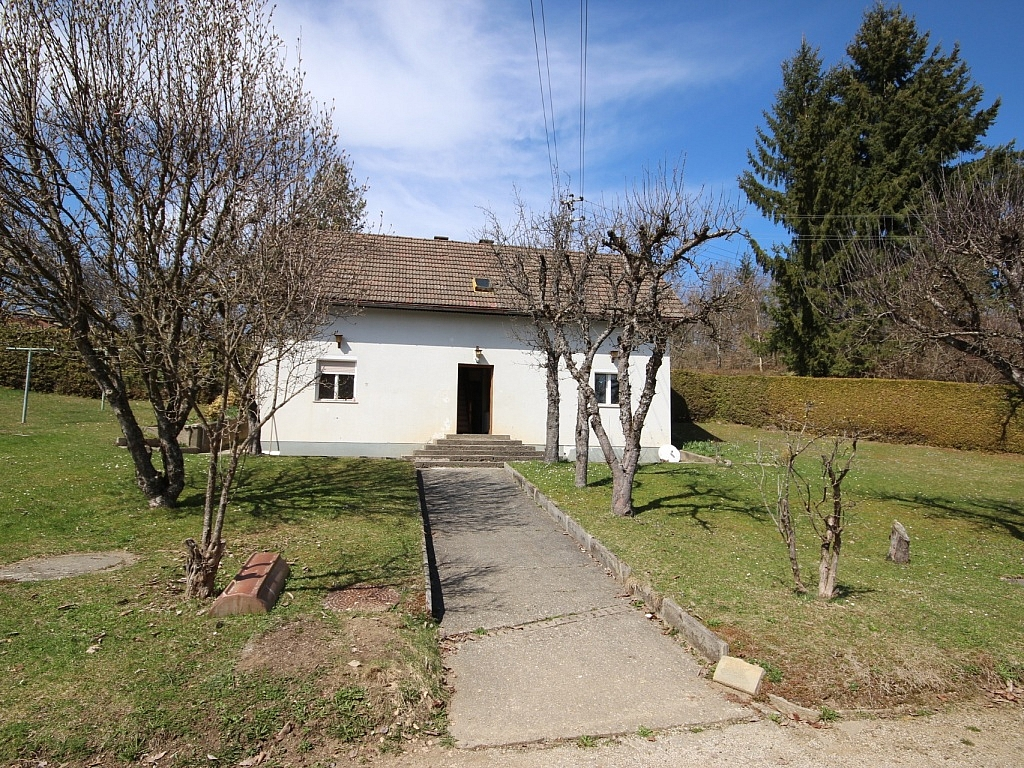 Älteres Wohnhaus mit 2.083m² Grundstück - Wölfnitz