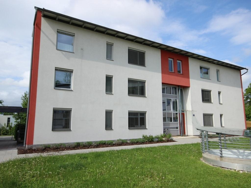 Schöne 3 Zi Wohnung mit Tiefgarage - Görzer Allee