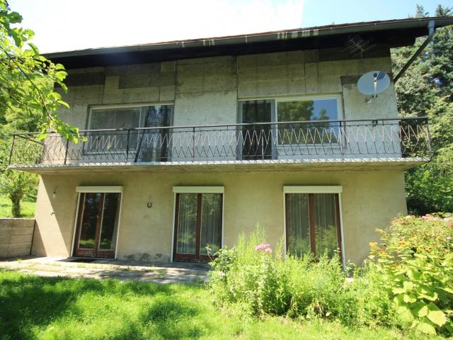 Älteres 200m² Wohnhaus mit 2,88 Ha Grund in Velden