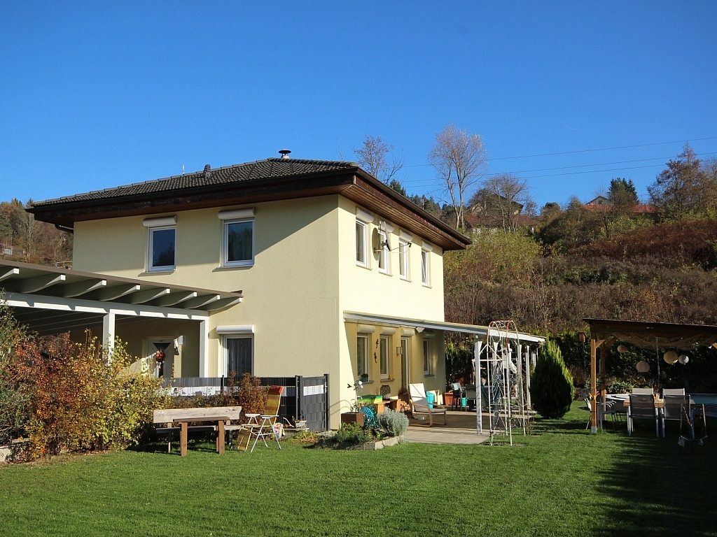 Neuwertiges schönes Wohnhaus in Maria Rain