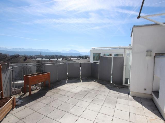 3 Zi Penthouse mit Karawankensicht auf 2 Ebenen