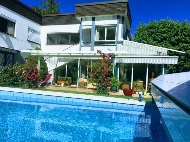 Akazienhofstrasse Villa in bester Lage