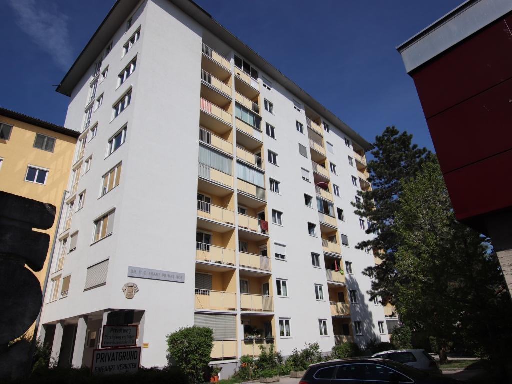 Schöne sanierte 74m² 3 Zi Stadtwohnung mit Garage