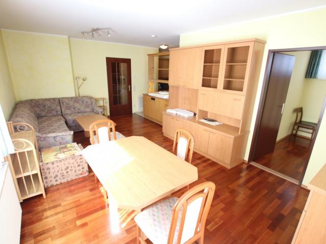 Tolle 62m² 2 Zi Wohnung mit Loggia und Tiefgarage