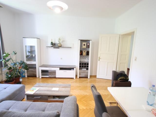4 Zimmer Altbauwohnung 135,00m² mit 2 Parkplätzen